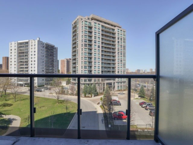 Condo Apartment at 25 Fontenay Crt, Unit 509, Toronto, Ontario. Image 4