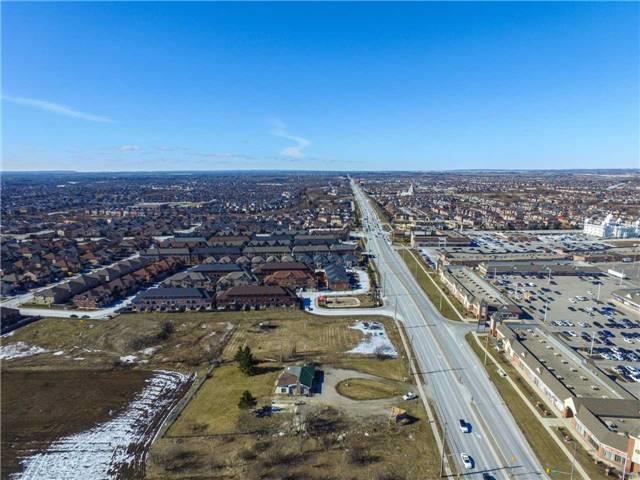 Detached at 8888 The Gore Rd, Brampton, Ontario. Image 12
