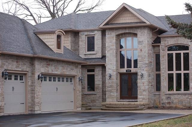 Detached at 1024 Truman Ave, Oakville, Ontario. Image 2