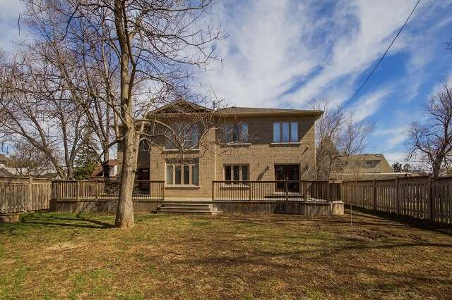 Detached at 1024 Truman Ave, Oakville, Ontario. Image 9