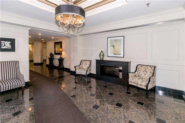 Condo Apartment at 415 Locust St, Unit 404, Burlington, Ontario. Image 13