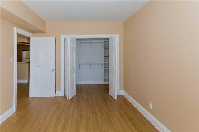 Condo Apartment at 415 Locust St, Unit 404, Burlington, Ontario. Image 18