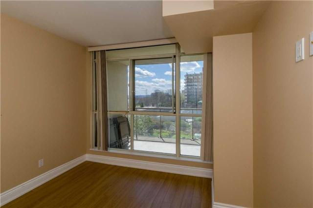 Condo Apartment at 415 Locust St, Unit 404, Burlington, Ontario. Image 19