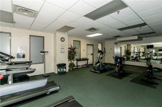 Condo Apartment at 415 Locust St, Unit 404, Burlington, Ontario. Image 3