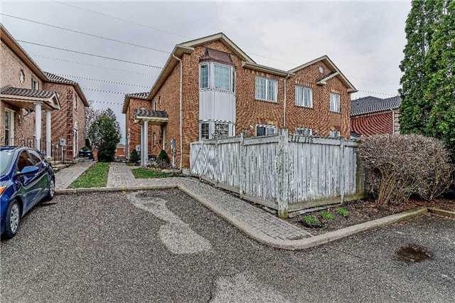 Condo Townhouse at 115 Millstone Dr, Brampton, Ontario. Image 1