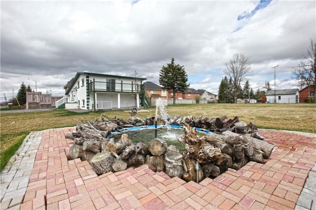 Detached at 9021 Mcvean Dr, Brampton, Ontario. Image 14