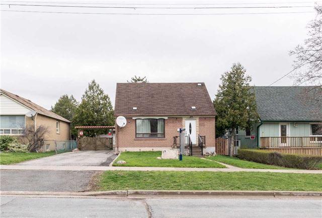 Detached at 19 Hatfield Cres, Toronto, Ontario. Image 1