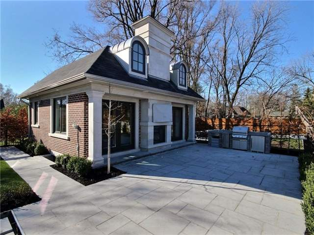 Detached at 2372 Hixon St, Oakville, Ontario. Image 4