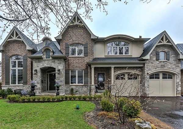 Detached at 888 Park Ave W, Burlington, Ontario. Image 1