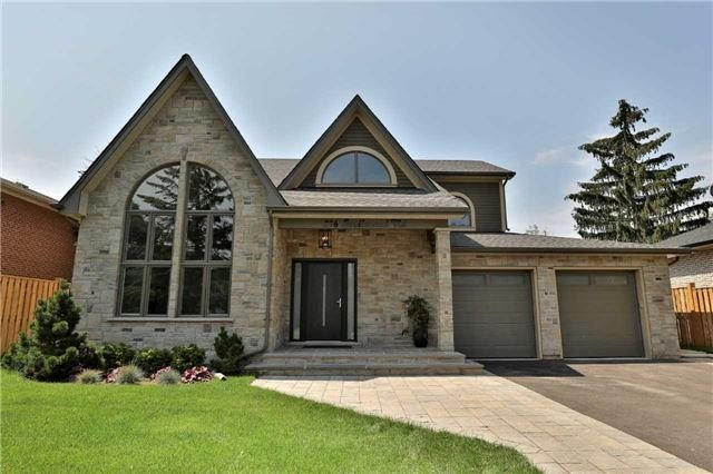 Detached at 396 Sandlewood Rd, Oakville, Ontario. Image 1