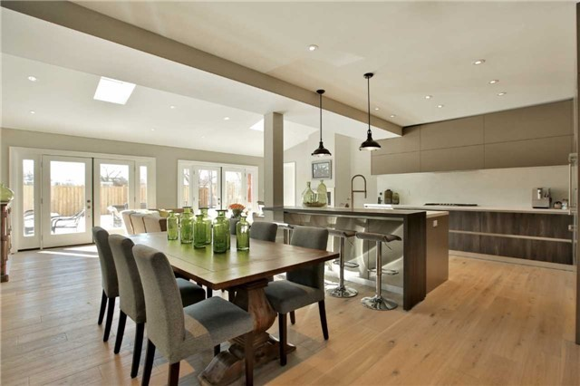 Detached at 396 Sandlewood Rd, Oakville, Ontario. Image 14