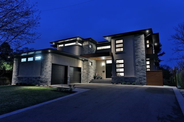Detached at 1138 Summerlea St, Oakville, Ontario. Image 11