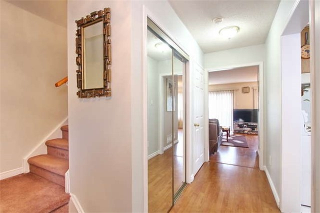 Townhouse at 27 Cutters Cres, Brampton, Ontario. Image 12