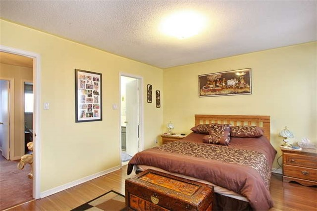 Townhouse at 27 Cutters Cres, Brampton, Ontario. Image 17
