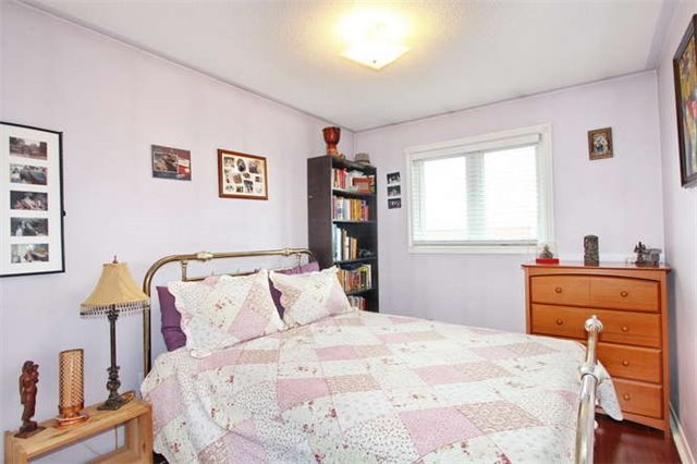 Townhouse at 27 Cutters Cres, Brampton, Ontario. Image 4