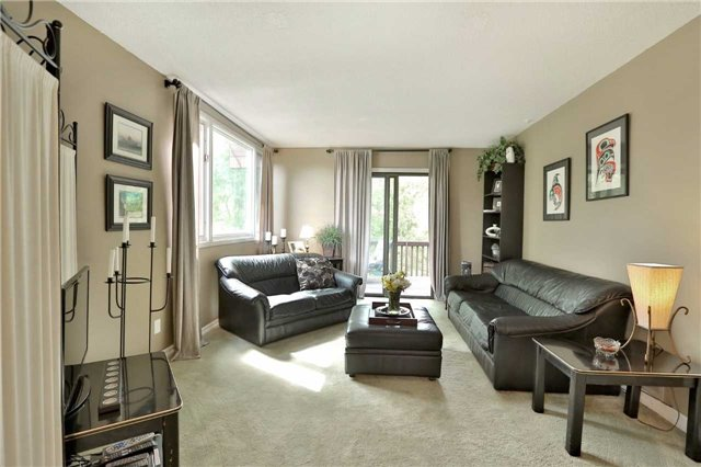 Detached at 269 Campbell Ave E, Milton, Ontario. Image 4