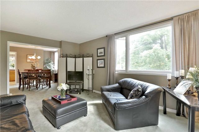 Detached at 269 Campbell Ave E, Milton, Ontario. Image 5