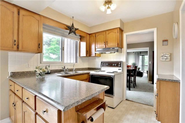 Detached at 269 Campbell Ave E, Milton, Ontario. Image 7