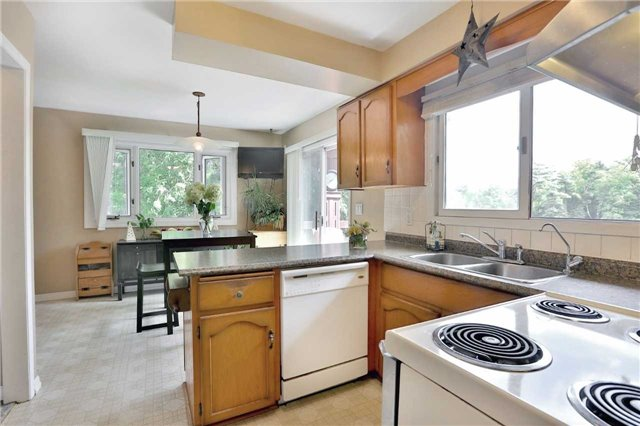 Detached at 269 Campbell Ave E, Milton, Ontario. Image 8