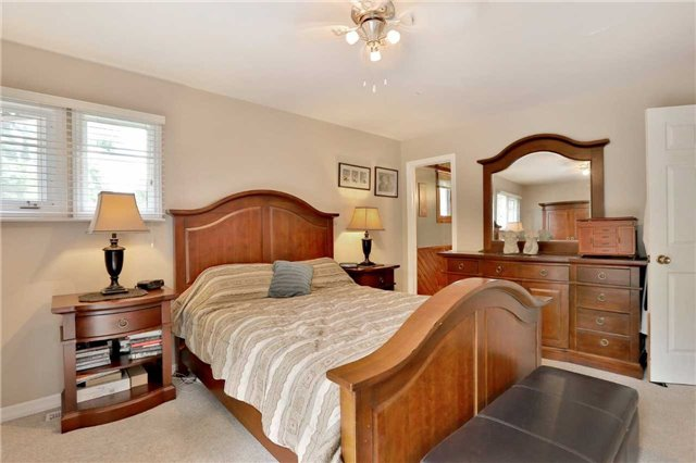 Detached at 269 Campbell Ave E, Milton, Ontario. Image 11