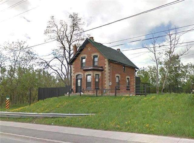 Detached at 10416 Airport Rd, Brampton, Ontario. Image 1