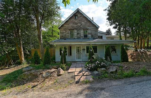 Cottage at 44 King Street South, Caledon, Ontario. Image 12