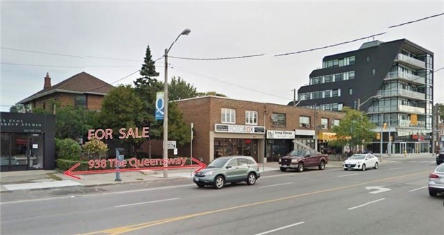 Detached at 938 The Queensway Ave, Toronto, Ontario. Image 2