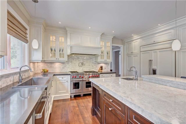 Detached at 1212 Clarkson Rd N, Mississauga, Ontario. Image 10