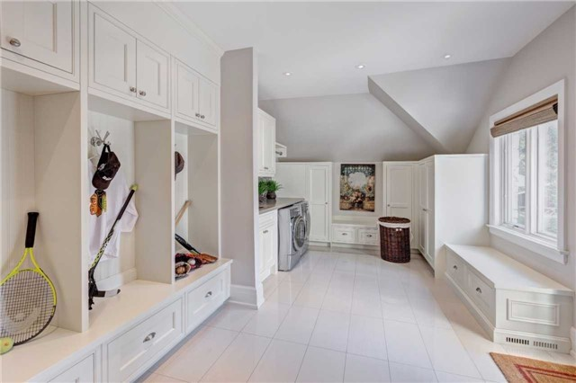 Detached at 1212 Clarkson Rd N, Mississauga, Ontario. Image 14