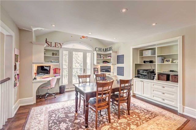 Detached at 1212 Clarkson Rd N, Mississauga, Ontario. Image 2