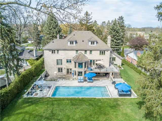 Detached at 1212 Clarkson Rd N, Mississauga, Ontario. Image 6