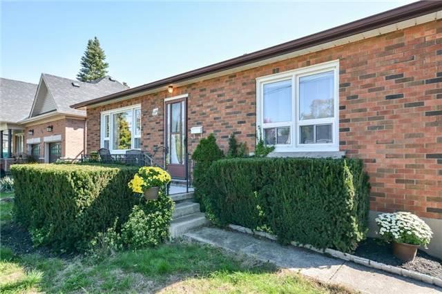 Detached at 324 Peel St, Halton Hills, Ontario. Image 4