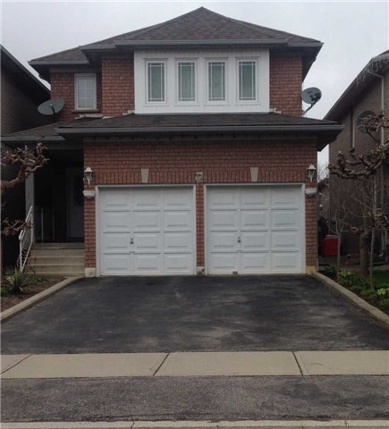 Detached at 31 Dovesong Dr, Brampton, Ontario. Image 1