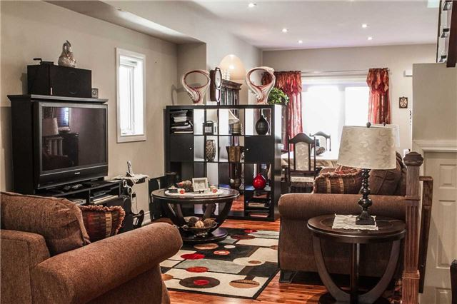 Detached at 536 Silverthorn Ave, Toronto, Ontario. Image 14