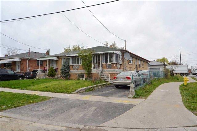 Semi-detached at 1 Habitant Dr, Toronto, Ontario. Image 1