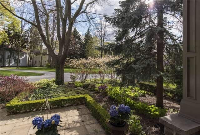 Detached at 125 The Kingsway, Toronto, Ontario. Image 12