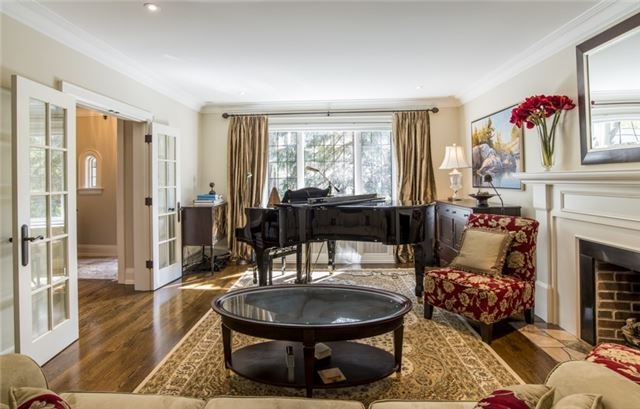 Detached at 125 The Kingsway, Toronto, Ontario. Image 15