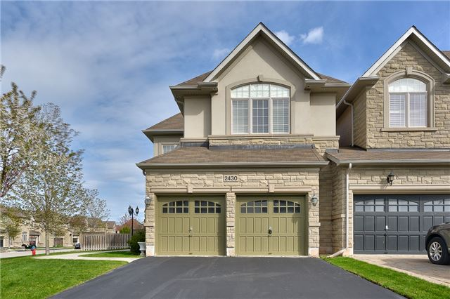Townhouse at 2430 Presquile Dr, Oakville, Ontario. Image 12