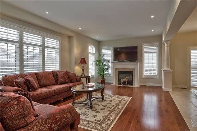 Townhouse at 2430 Presquile Dr, Oakville, Ontario. Image 19
