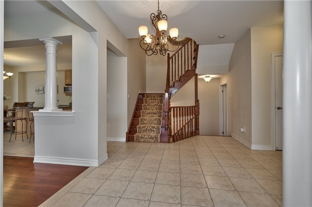 Townhouse at 2430 Presquile Dr, Oakville, Ontario. Image 11