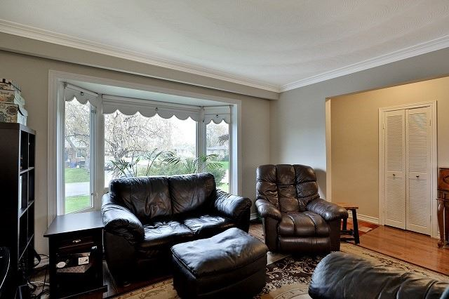 Detached at 522 Trudale Crt, Oakville, Ontario. Image 17