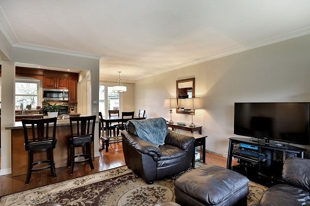 Detached at 522 Trudale Crt, Oakville, Ontario. Image 18
