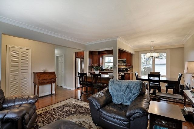 Detached at 522 Trudale Crt, Oakville, Ontario. Image 19