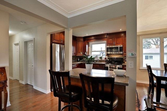 Detached at 522 Trudale Crt, Oakville, Ontario. Image 20