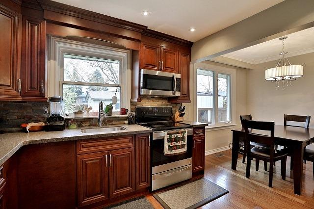 Detached at 522 Trudale Crt, Oakville, Ontario. Image 3