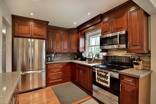 Detached at 522 Trudale Crt, Oakville, Ontario. Image 4