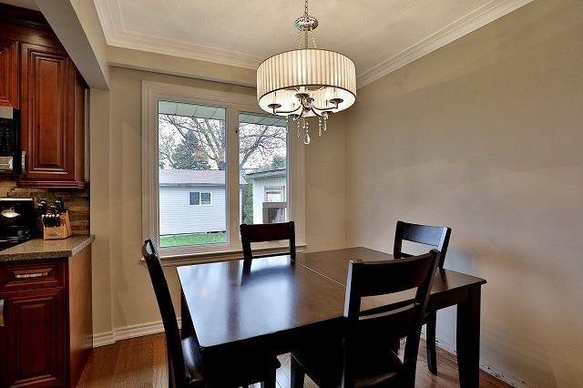 Detached at 522 Trudale Crt, Oakville, Ontario. Image 7