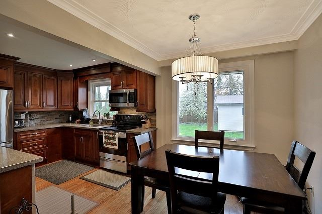 Detached at 522 Trudale Crt, Oakville, Ontario. Image 8