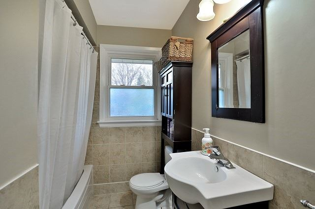 Detached at 522 Trudale Crt, Oakville, Ontario. Image 13