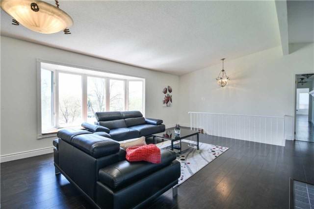 Detached at 8951 Mississauga Rd, Brampton, Ontario. Image 3